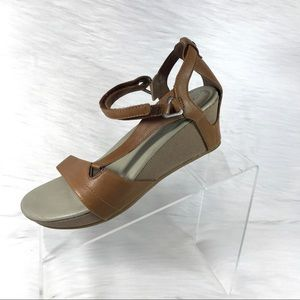 Teva Wedge Sandals Brown Leather Size 8